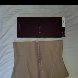22efdb200a9 Squeem Other - Squeem Contouring Cincher - NEW - SizeXL